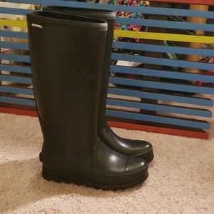 Sorel black rainboots
